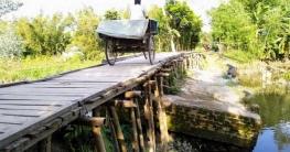লালমনিরহাটে চরম দুর্ভোগে ২০ গ্রামের মানুষ