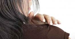 খুশকির সমস্যা চিরতরে দূর করার ৬টি সহজ উপায়