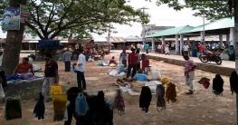 সামাজিক দূরত্বের বালাই নেই বাটিয়াঘাটার বাজারগুলোতে