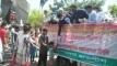রাজধানীতে মাস্ক-হ্যান্ড স্যানিটাইজার বিতরণ করল ছাত্রলীগ