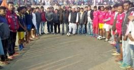 পাইকগাছায় মিনি ডে-নাইট ফুটবল টুর্নামেন্টের ফাইনাল অনুষ্ঠিত