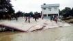 রাজশাহীতে পদ্মার ভাঙনে নদীগর্ভে স্কুল