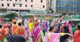 কারখানায় তালা, ভেতরে আটকা পোশাক শ্রমিকরা