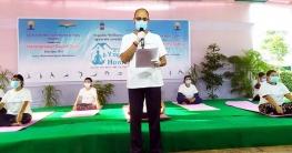 করোনায় সুস্থ থাকতে নিয়মিত ইয়োগা করুন : রাজেশ রাইনা